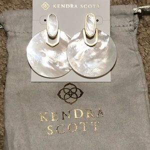NWT Kendra Scott Didi earring